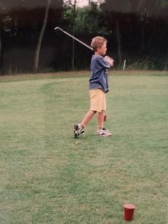Jeune golfeur pro